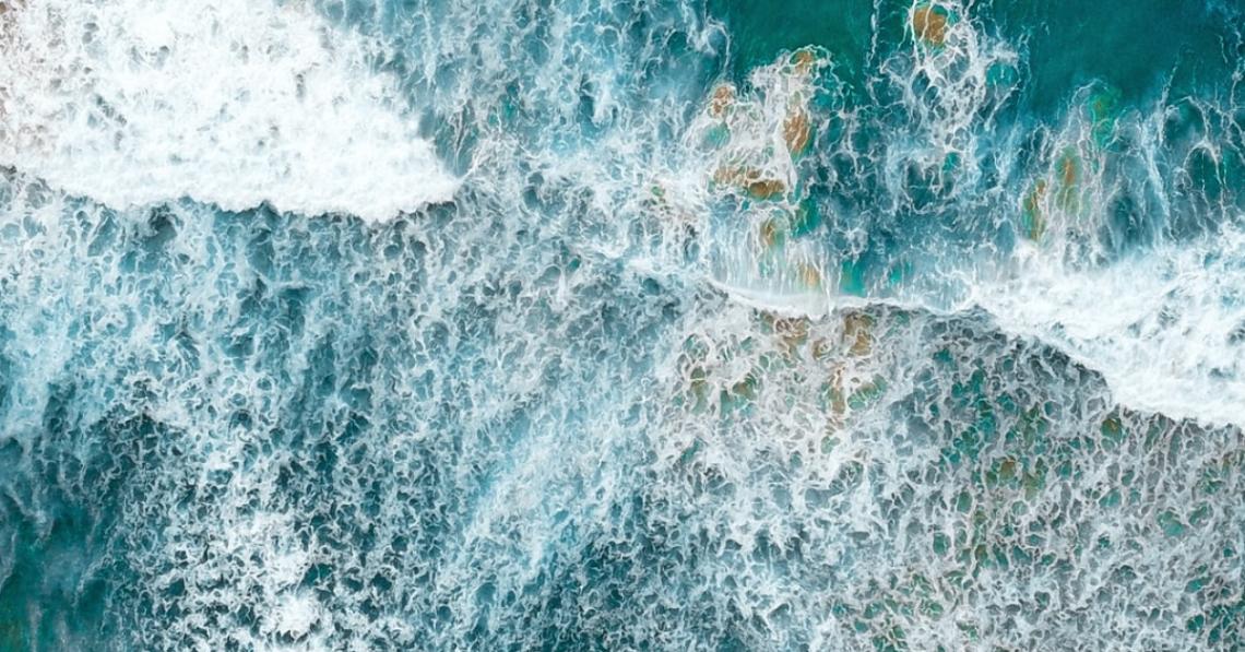 Shallow waves at an Australia beach